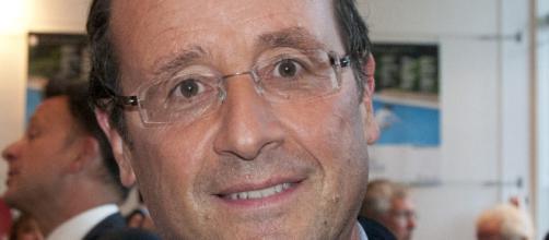 """François Hollande a évoque le """"désenchantement démocratique"""" vendredi à Rennes lors d'un débat"""
