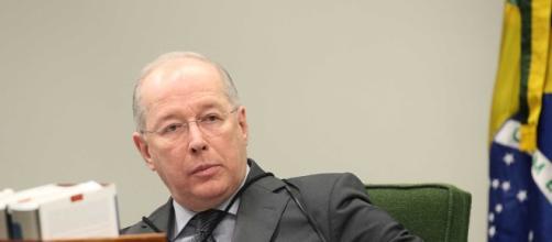 Ministro decano do STF, Celso de Mello, nega informação dada ao jornal Folha de São Paulo