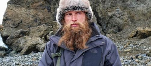 Oleg Beloguzov, lo scienziato russo accoltellato dal collega perché ha rivelato il finale di un libro giallo