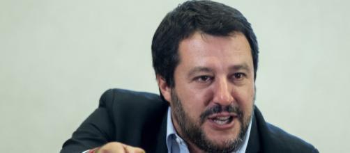 Pensioni, Matteo Salvini conferma 4 finestre per Quota 100: 'No all'esodo di massa nella PA' - fanpage.it