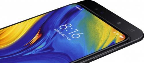 Xiaomi Mi Mix 3, tra i modelli di punta dell'azienda cinese in grande crescita.