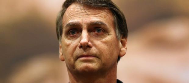 Bolsonaro concedeu entrevista em sua casa.