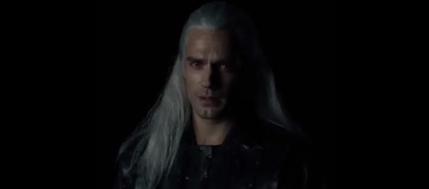 'Man of Steel' star Henry Cavill plays Geralt of Rivia in 'The Witcher' Netflix series [Image Credit: Emergency Awesome/YouTube screencap]