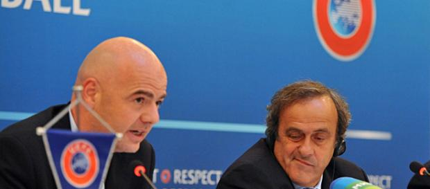 Platini Infantino couvrent le PSG