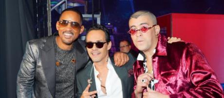De gauche à droite, Will Smith, Marc Anthony et Bad Bunny au 19ème Grammy Awards Latin au MGM Grand Garden Arena à Las Vegas.