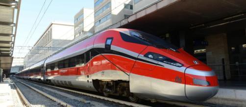 Ferrovie dello Stato assume laureati in giurisprudenza: come ... - money.it
