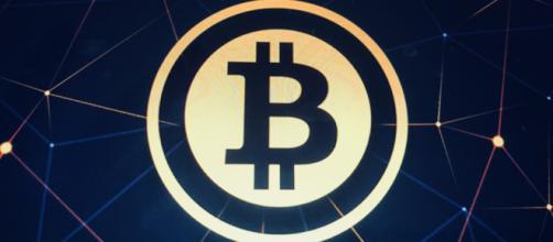 Il valore della criptovaluta Bitcoin sta crollando.