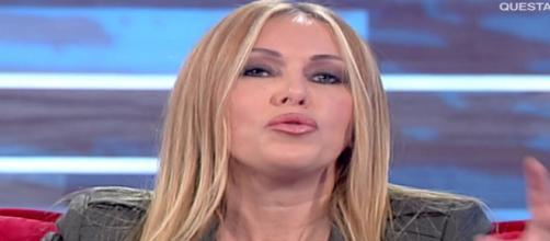 Roberta Bruzzone ospite di Vieni da Me, nella puntata del 20 novembre 2018.