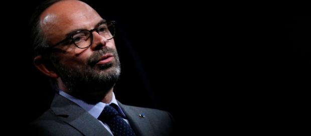 """""""Gilets jaunes"""": droite et gauche critiquent le peu d'écoute d'Edouard Philippe"""