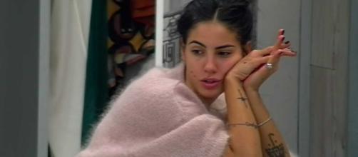 Giulia De Lellis indossa pellicce vere: è polemica sui social, l'attacco di Daniela Martani.