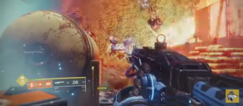 Guardians are melting enemies away with this bad boy. [Image source: xHOUNDISHx/YouTube]