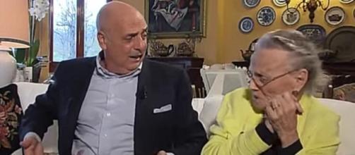 Storie Italiane, Paolo Brosio ospite in collegamento: il suo gattino accusa un'emorragia