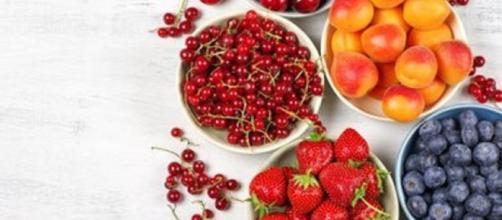 Una dieta ricca di frutta potrebbe ridurre l'età d'insorgenza della malattia di Alzheimer nelle persone a rischio.