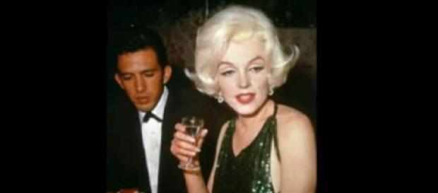 Marilyn Monroe, Golden Globe Awards 1962. [Image source/Craig Caddell YouTube video]