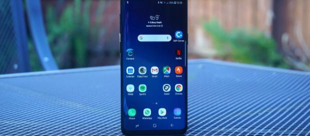 Samsung Galaxy S10 con connettività 5G: si parla di 6 fotocamere e schermo da 6,7 pollici