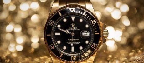 Rolex Golden Watch Wallpaper 11688 - Baltana - baltana.com