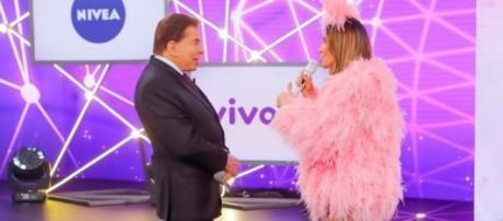 Silvio Santos e Claudia Leitte, no palco do Teleton
