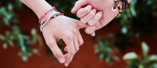 Amizade é a relação afetiva entre os indivíduos.