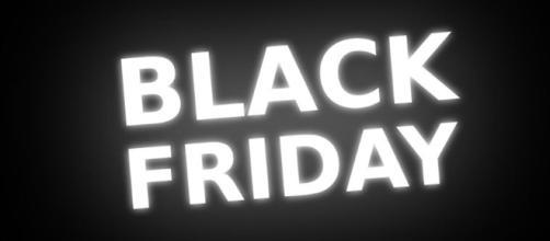Black Friday nline shopping - Image credit - Pixabay | YouTube
