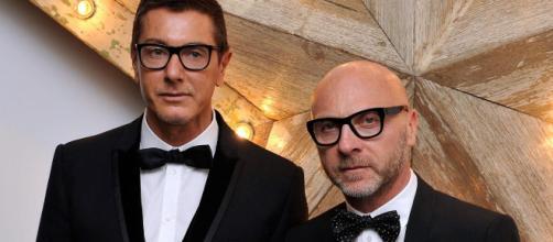 Dolce e Gabbana finisce nella bufera, per uno spot considerato 'sessista e razzista'.