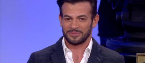 Uomini e donne, Gianni Sperti si scaglia contro Sara Affi Fella: 'E' stata abile a prendere in giro milioni di telespettatori'
