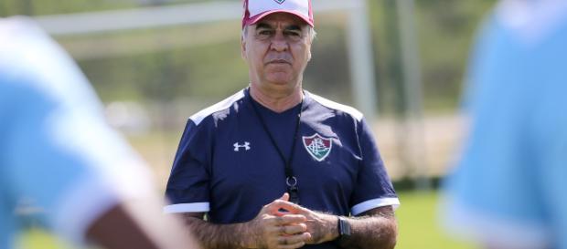 Fluminense deve revitalizar sistema com três zagueiros diante do Bahia (Foto: Gazeta Esportiva)
