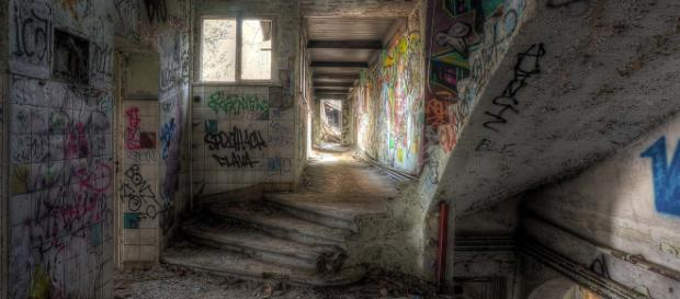 Weissensee Abandoned Children's Hospital in Berlin, Germany. [Image Jan Bommes/Flickr]