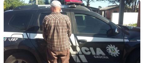 O homem foi preso dentro de casa