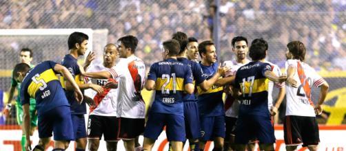 Boca Juniors e River Plate empatam clássico marcado por violência ... - globo.com