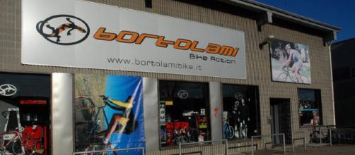 Ladri in azione al negozio di Bortolami - foto corrierealtomilanese.com
