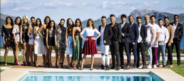 10 couples parfaits 2 : Célia balance sur Hilona et Ilan