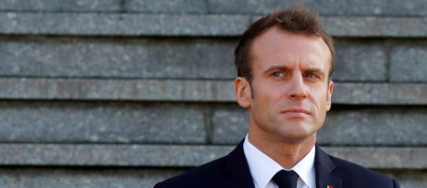 """Emmanuel Macron et Edouard Phillippe sur le gril avec les """"gilets jaunes"""""""