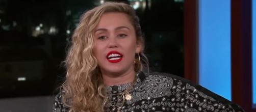Singer and actress Miley Cyrus is celebrating her birthday on November 23. [Image source: Jimmy Kimmel Live/YouTube]