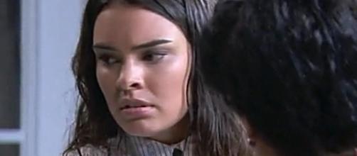 Una Vita, anticipazioni puntata 26 novembre: Leonor distrutta dal dolore dopo la morte di Pablo