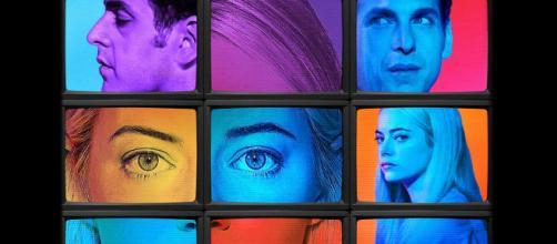 Jonah Hill et Emma Stone sont Owen et Annie dans la série Maniac