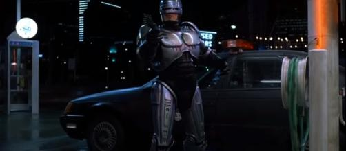 Peter Weller has decided against returning as the iconic RoboCop. [Image Credit] passenger47x - YouTube
