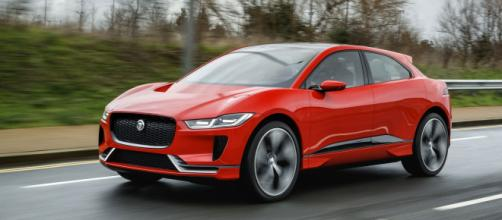 Jaguar I-Pace tra le finaliste del premio Auto dell'Anno 2019 - insideevs.com