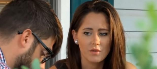 MTV star Jenelle Evans wore shirt with the Confederate Flag. [Image Source: Ana tasia - YouTube]