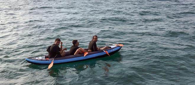 Autoridades rescatan a 3 migrantes cuando intentaban cruzar el canal inglés desde Francia