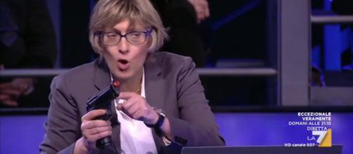 Giulia Bongiorno parla di legittima difesa