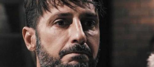 Gossip, Fabrizio Corona affonda Asia Argento: 'Le piaceva stare sulla giostra'.