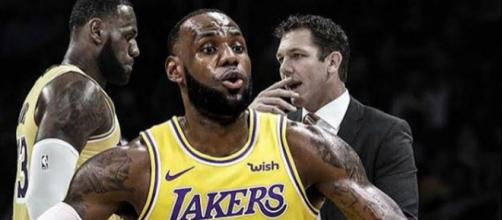 LeBron James and Luke Walton -Image by basket_adictos247 / Instagram