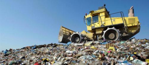 Forti pressioni di un amministratore del Comune di Naro alla ditta che si occupa della raccolta dei rifiuti