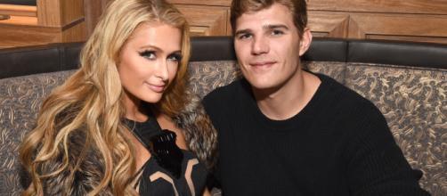 Paris Hilton non sposa più Chris Zylka e spiega i motivi