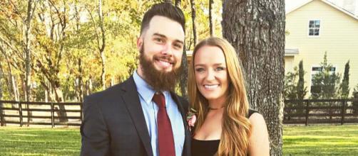 Taylor McKinney poses with wife Maci. [Photo via Instagram]