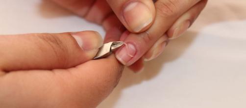 A cutícula é o selo protetor natural da unha.