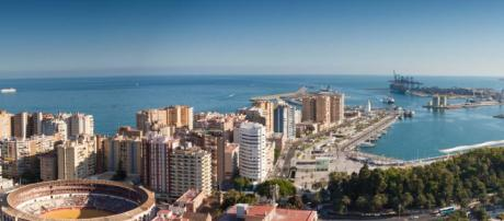 Malaga is a port city on the Costa del Sol in southern Spain with many great restaurants. [Image Pixabay]