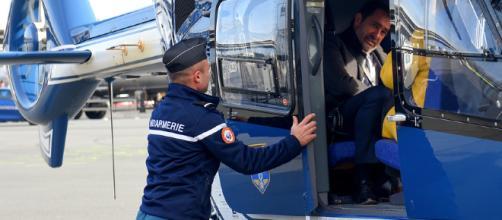 Christophe Castaner a rendu visite aux gilets jaunes en hélicoptère