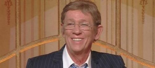 È morto Sandro Mayer, giornalista e volto noto della tv - Tusciaweb.eu - tusciaweb.eu
