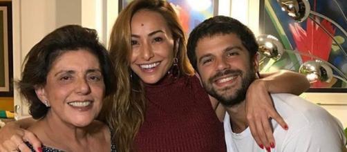 Leda Nagle postou foto com a netinha, filha de Sabrina Sato e Duda Nagle.
